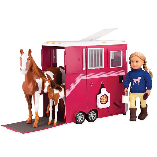 BD37391_dp_ManeAttractionHorseTrailer