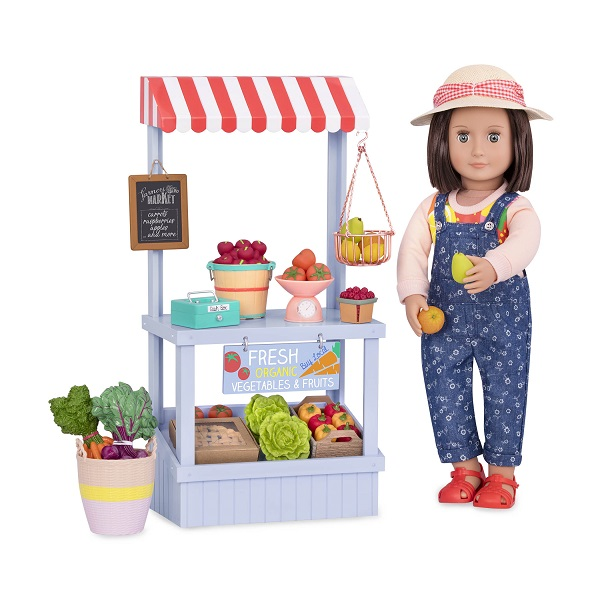 BD37461_Farmers_Market_Set_with_Everly_holding_fruit